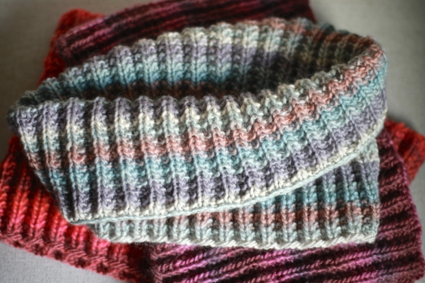 squishy ribbed cowl