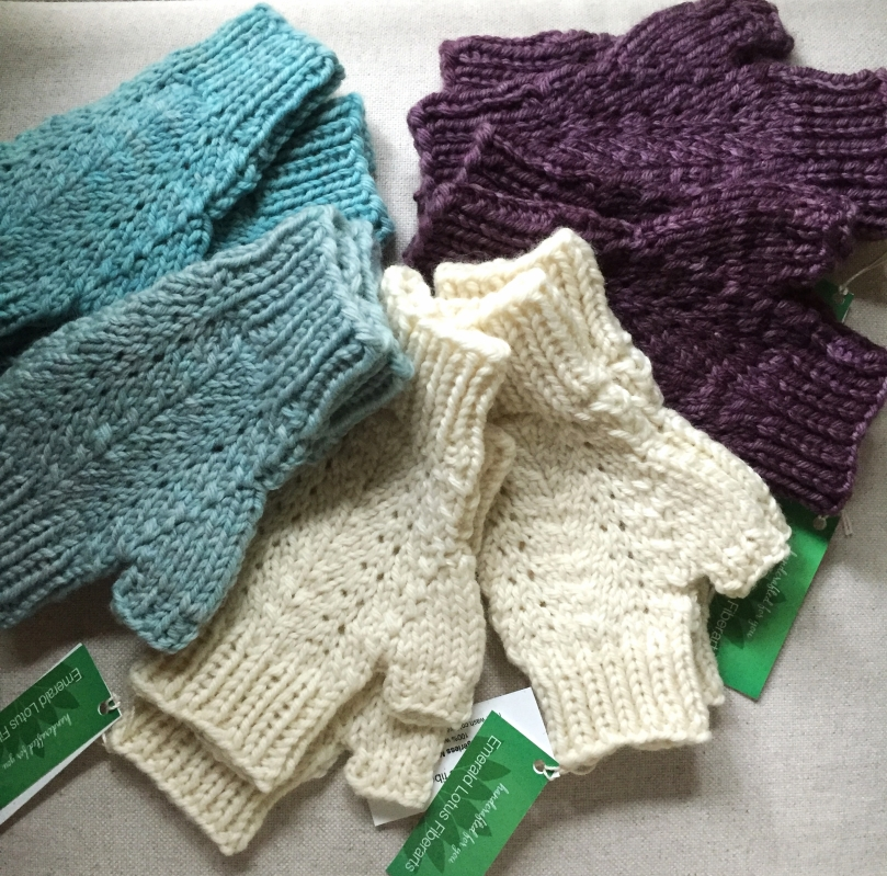 chunky-mitts-dropped-off-to-room6deepcove-in-time-for-last-minute--shopping-_23837185981_o